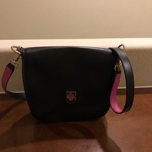 Kate spade medium shoulder bag. With pink accents